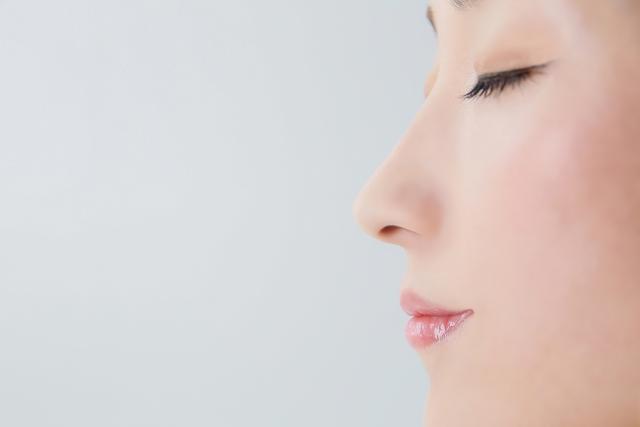 黒い美顔ローラーMDNA【オニキスブラック】は冬場のスキンケアに最適♪