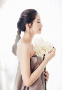 ホンネ雑誌LDK the beautyで実際に試してよかった実力派のリフトアップ美顔器はコチラ♪