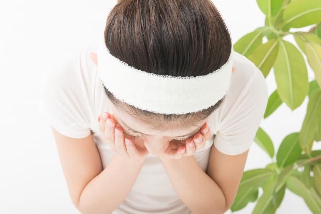 ①総合病院の皮膚科で色素沈着改善のために正しいスキンケアレッスン